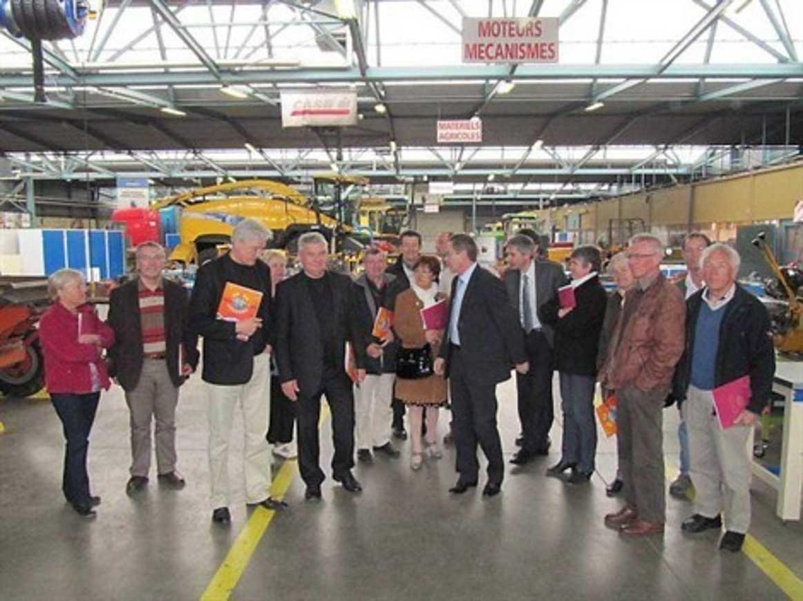 Les élus visitent le lycée Henri-Avril (article OF) 0