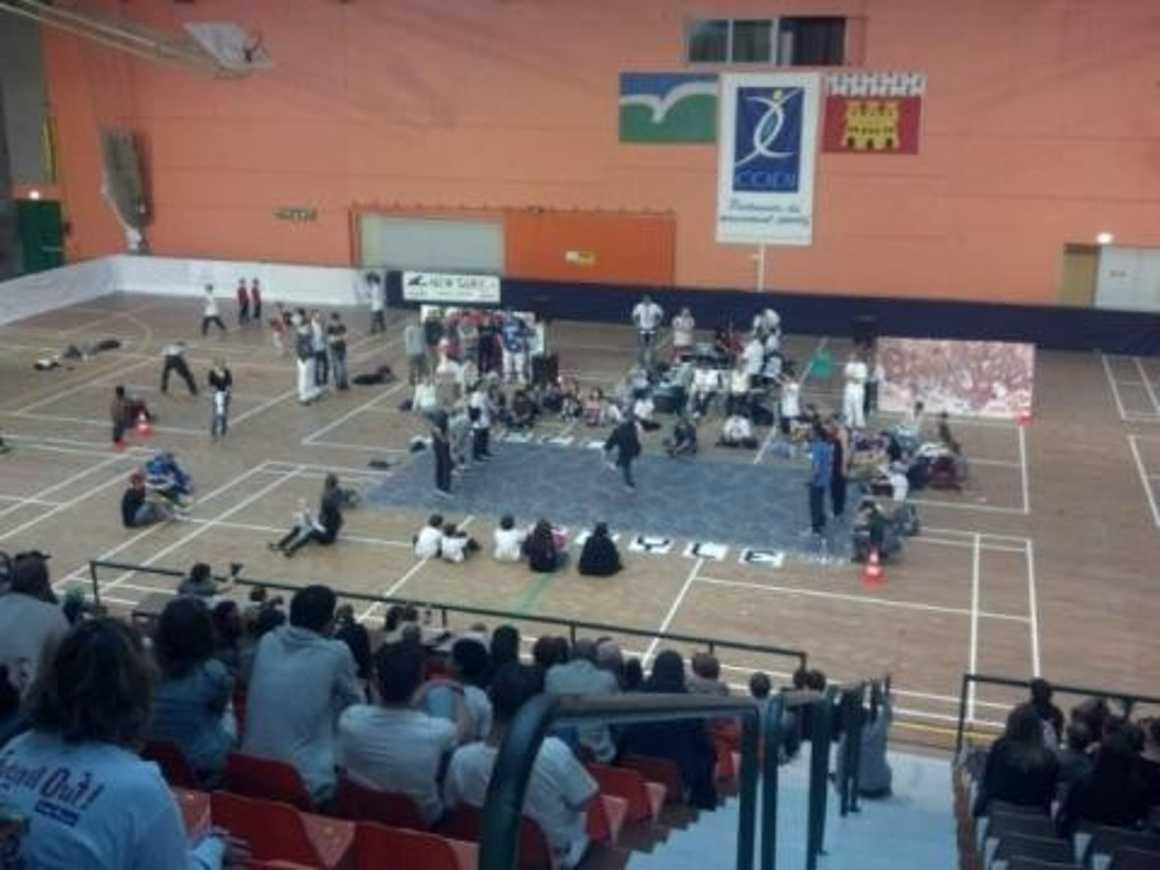 Des jeunes du lycée et des adultes handicapés participent ensemble à l''Open style de Dinan 0
