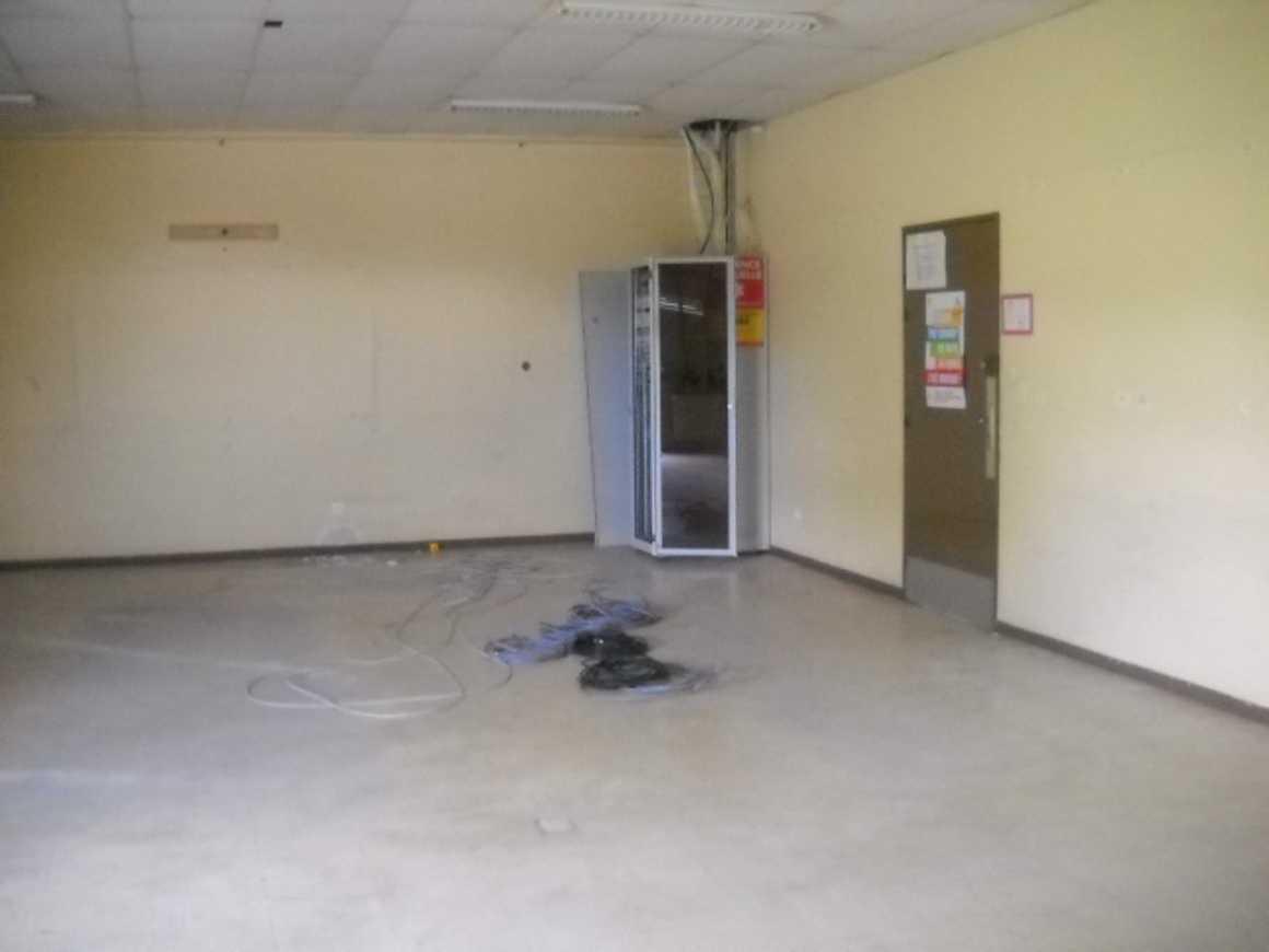 Préparation de la rénovation des salles C30 et C32 dscn29831