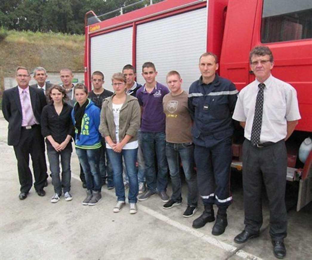 À Henri-Avril, huit lycéens pompiers volontaires (OF) 0