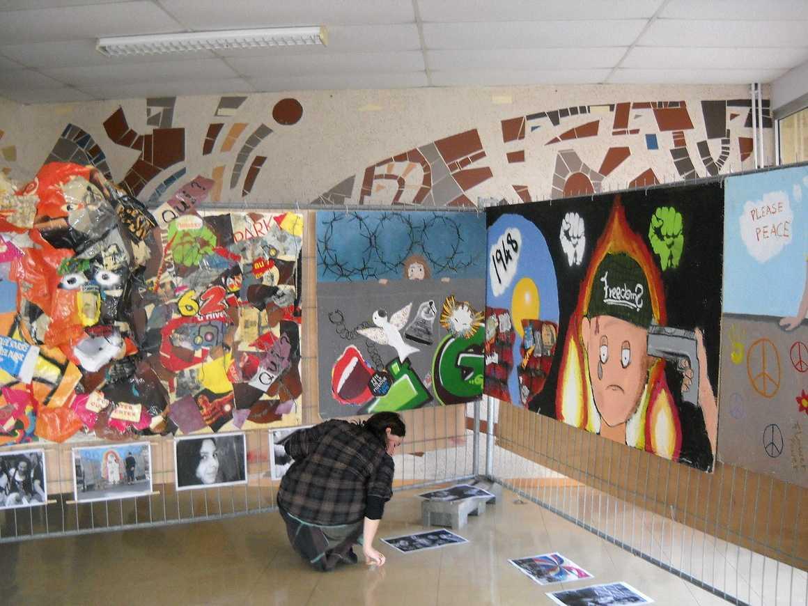 """""""Murs-murs"""" une exposition dans le hall du 11 au 26 novembre dscn0163"""