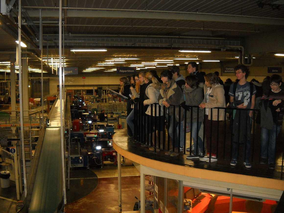 Des élèves de seconde et de terminale ont visité l''imprimerie de Ouest France dscn3493