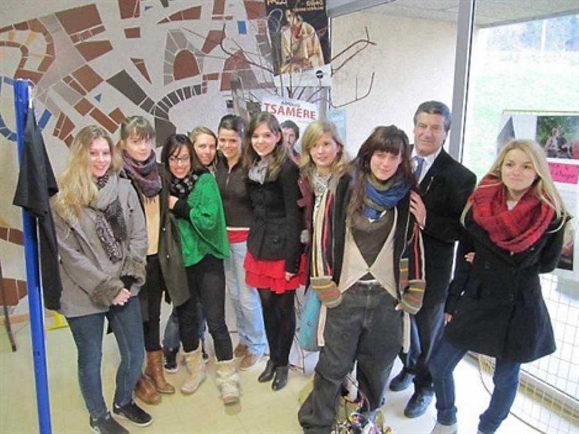 Une exposition sur le festival d''Avignon au lycée (OF) 0