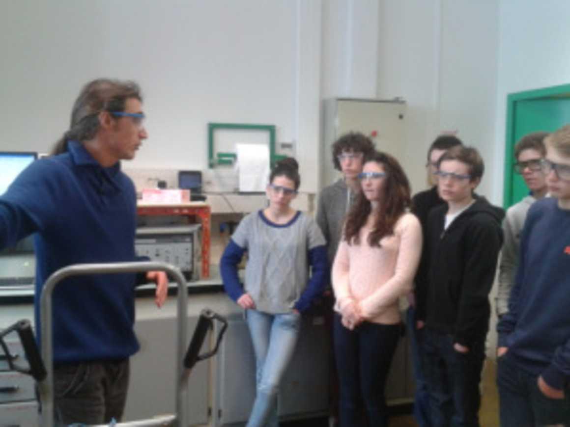 Les secondes 1 et 2 visitent des laboratoires de recherche à Grenoble 0