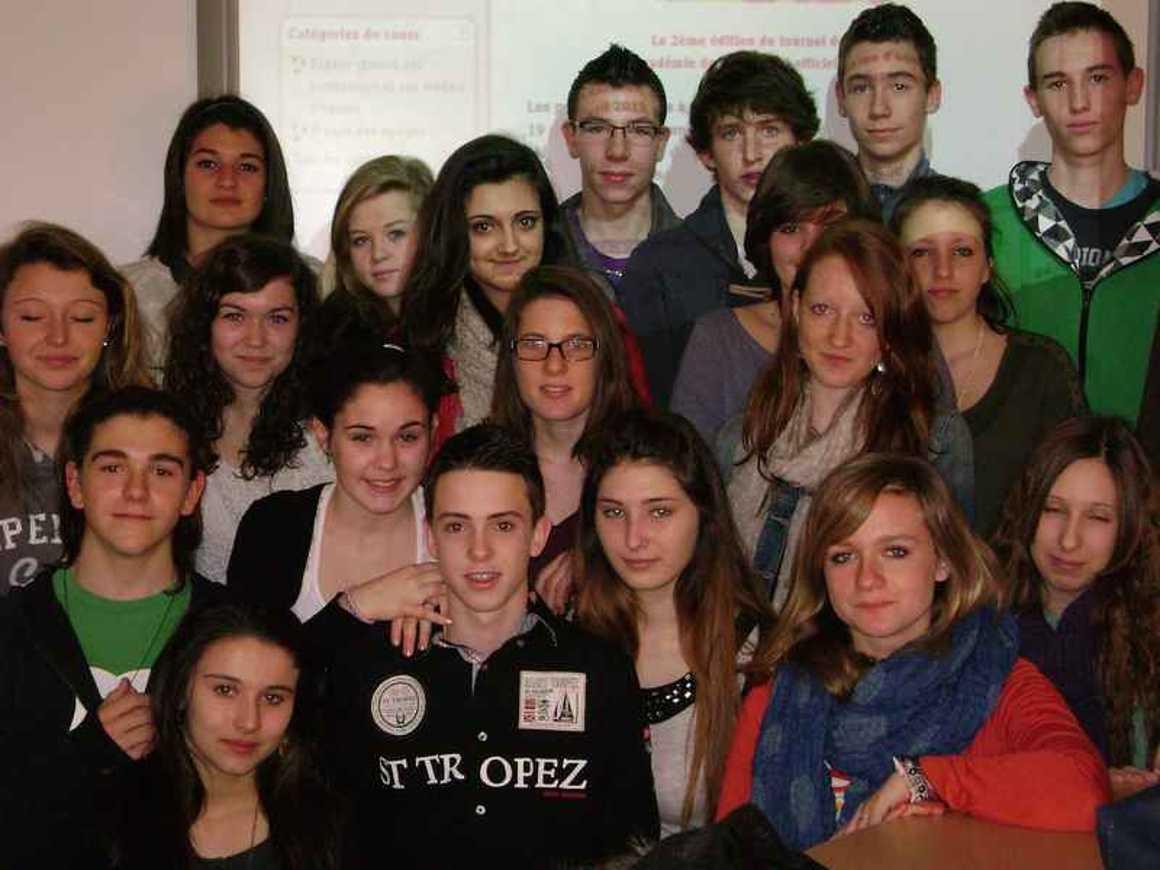 Les élèves de seconde 1-2-6 et 3-4-8, ont participé à la 2ième édition du Tournoi de gestion: une équipe du LPO H.Avril qualifiée en demi-finale! 0