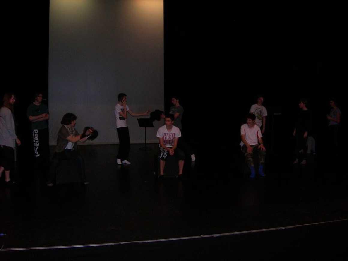 Premiers battements pour les coeurs d''héroïnes...(Théâtre 1L) dscn9636trois