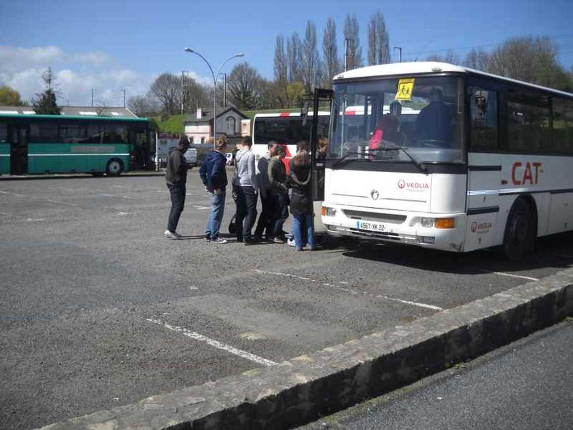 Une action sur la sécurite dans les cars scolaires exemplaire dscn4251