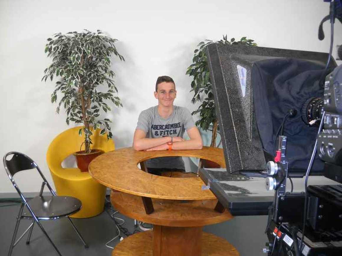 Les élèves de l''option gallo enregistrent une émission de télévision dscn4264