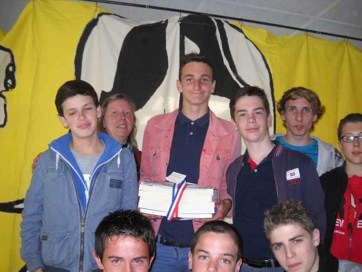 9 élèves du lycée ont reçu le prix régional du concours de la Résistance 0